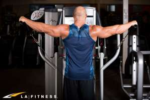 LA-Fitness-Blog-How-to-Do-Cable-Lateral-Raises-1