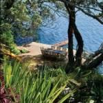 Sitting Lakeside - case study of a beautiful lakeside garden