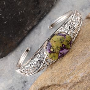 Tasmanian Stichtite Bangle