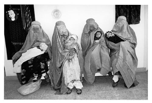 christine-spengler_afghanistan_1997_aware_women-artists_artistes-femmes-750x512