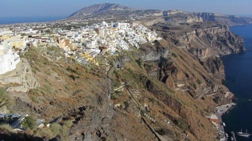 Vue de Fira – Firostefani – Santorin (De Ouessant à Santorin (Été 2012) – Partie 1 L'Île d'Ouessant)