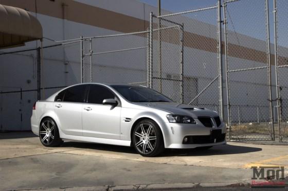 Silver Pontiac G8 Silver Concept One Wheels Side