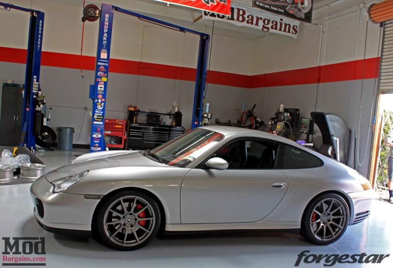 porsche-996-carrera-4s-on-gm-forgestar-cf10-img006