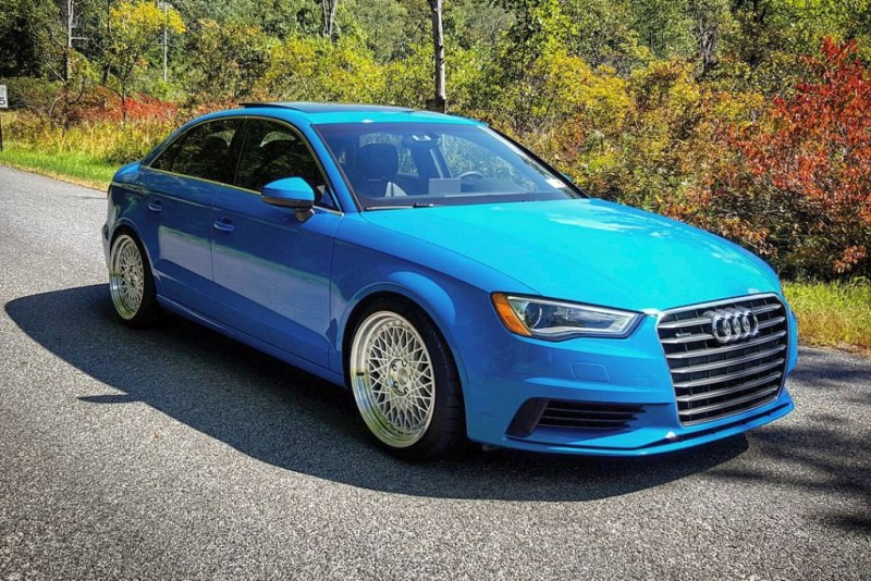 Audi_8P_A3_blue_Avant_Garde_M220_machinesilver_img001