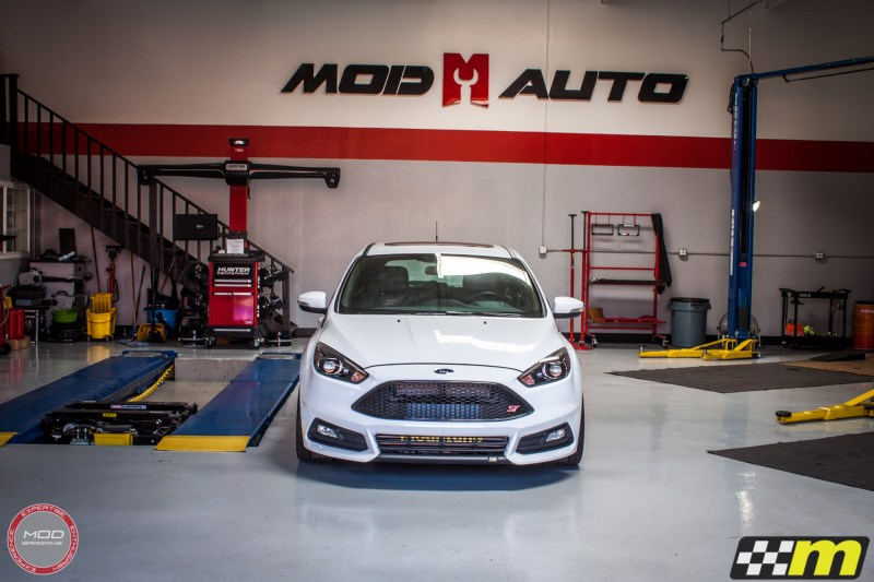 Ford_Focus_ST_2016_Mountune_MP275_Fifteen52_Tarmac_Silver (2)