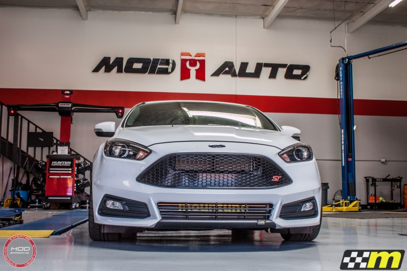 Ford_Focus_ST_2016_Mountune_MP275_Fifteen52_Tarmac_Silver (22)