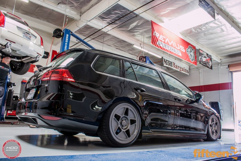 VW_Golf_Sportwagen_Fifteen52_Tarmac_R43_Airlift (13)