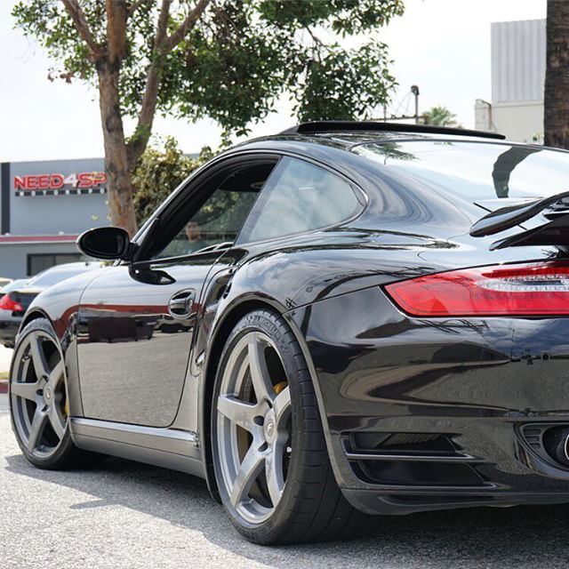 Porsche_997_Turbo_Black_Forgestar_CF5_Silver_Img001