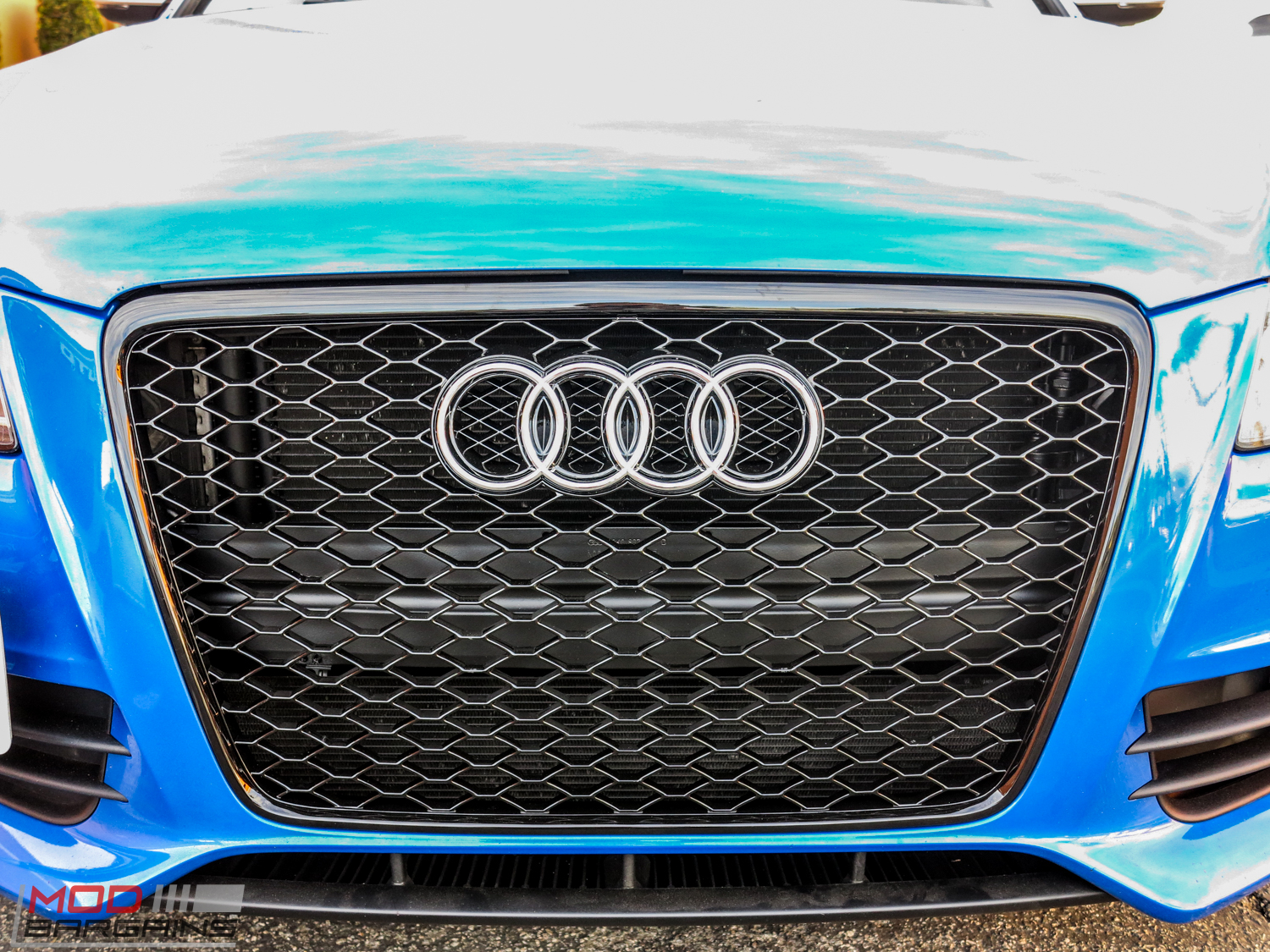 Front Grille for 2009-12 Audi A4/S4 [B8] RS4 Style - Black Mesh Honeycomb