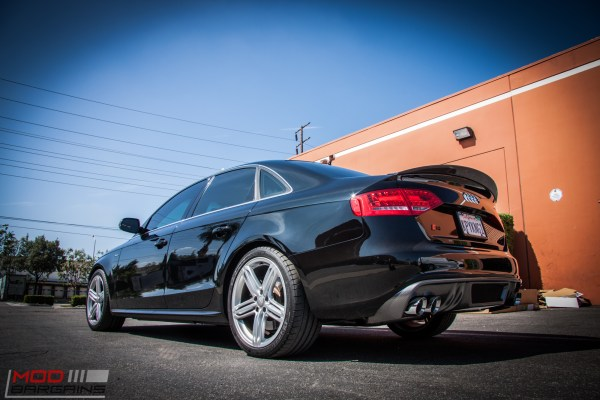 Quick Snap: Carbon-Trimmed B8 Audi S4 gets AWE Touring Exhaust