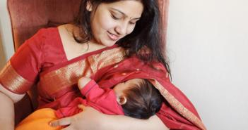 breastfeeding-mother