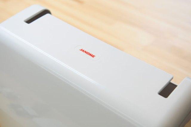 Janome 5031S 硬式防塵蓋特寫