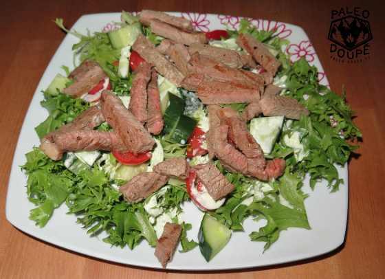 Hovězí salát s petrželovou majonézou