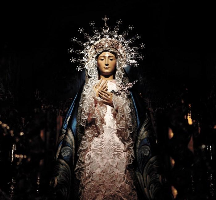 Conjunto con el que la Virgen de los Dolores desfila en la actualidad