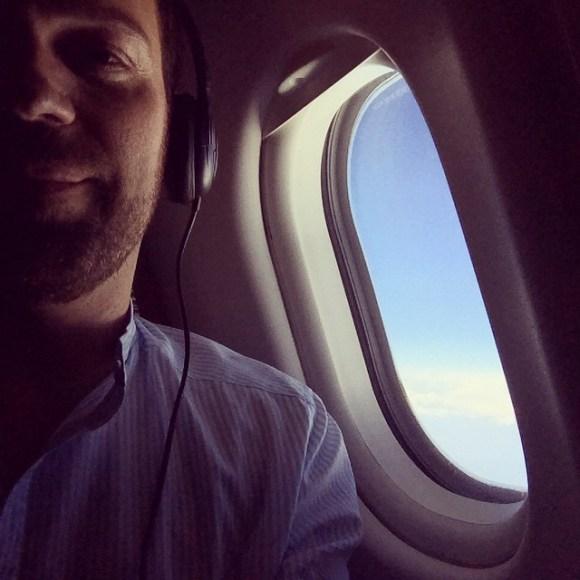 Enjoying in-flight #Internet - pure bliss :)
