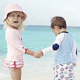 4 Tips for Making Your Kids Safe & Happy at the Beach