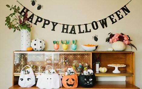 GlitterGuide-HalloweenTable