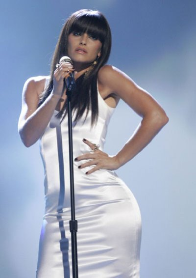 Nelly Furtado Vestido Blanco