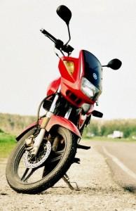 Yamaha YBR 125 появился в России в 2004г.