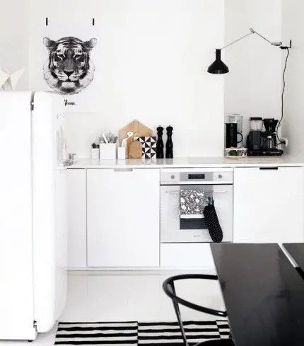 Via Elle Interior | Black and White | Ikea Rand Rug | RK Design Print - SampleBoard Blog