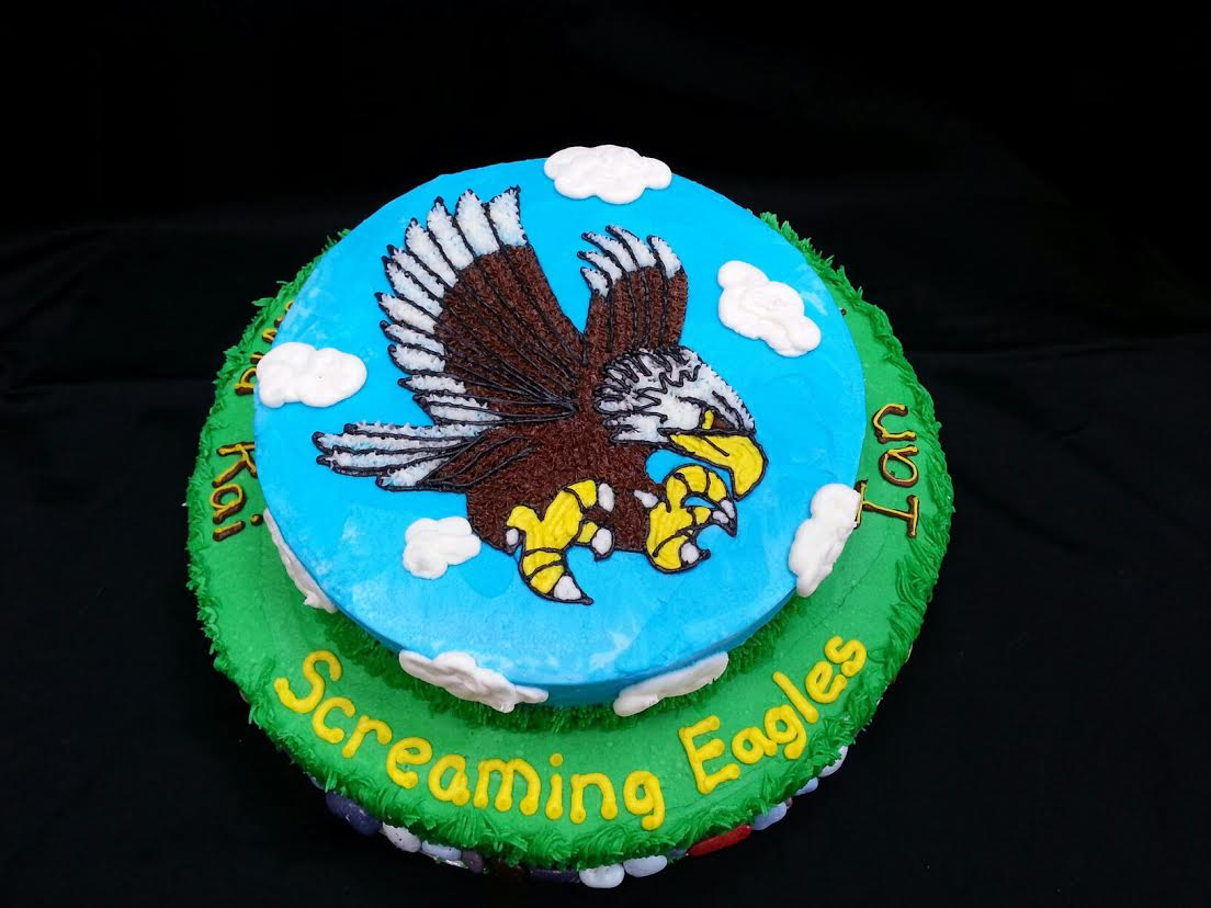 16 Screaming Eagles Cake