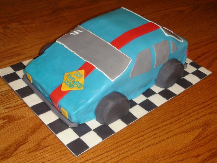 8 Pinewood Derby Car Cake