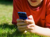 teenage-boy-texting