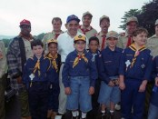 Yogi-Berra-with-Boy-Scouts