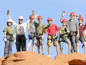 Crew-1532-climbing