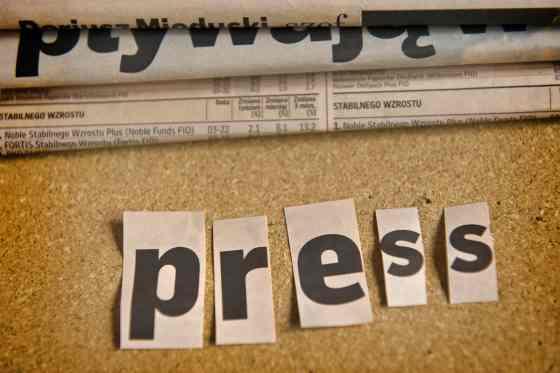 Comunicado de prensa por email