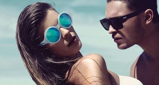 Le Specs – The Jet Set Trendsetter