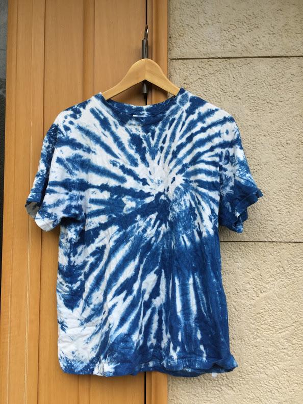こうして出来上がったのがこちらのTシャツ、ビーチサイドに住む僕にはぴったりのデザインです