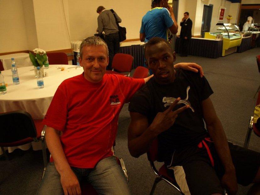 Bežecké esa Peter Hritz a vpravo Usain Bolt