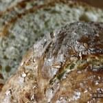 le pain est croustillant et moelleux