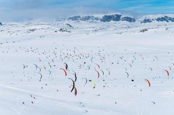 RedBull snowkiteboarding