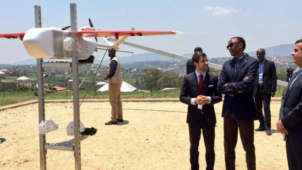 Rwandan president Paul Kagame launching a drone on October 14, 2016 in Muhanga District was taken by Cedric Kagimbanyi (@kagcedRW) and shared on Twitter Cedric KagimbanyiTwitter