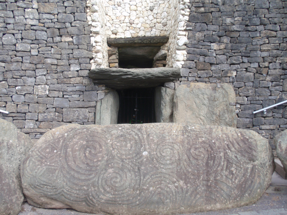Burial Mount at Newgrange (Brú na Bóinne).