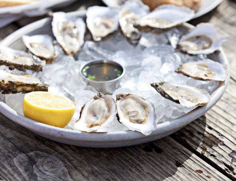 select-oyster-bar-blends-new-england-freshness-international-influence