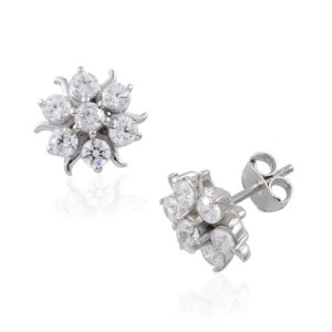 Turn heads with small but sparkling jewellery for AW14