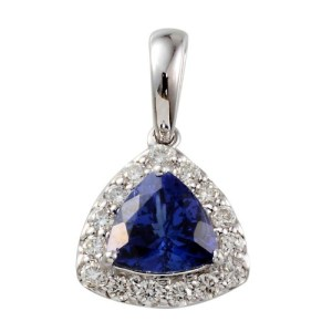 Dark tanzanite stands out in an effortless way