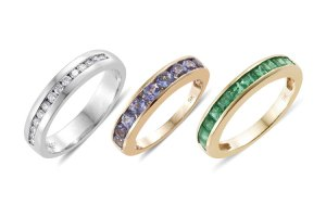 Different stones of the perfect wedding ring