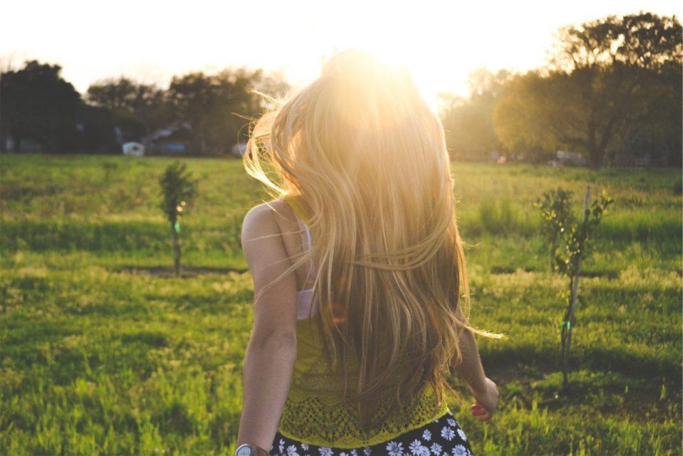 girl-sunny-day