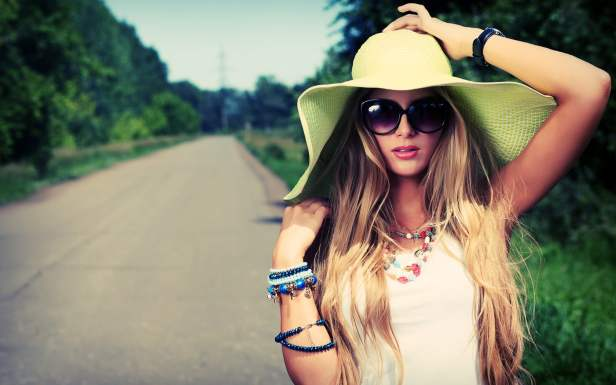 UV Protection contact lenses & sunglasses