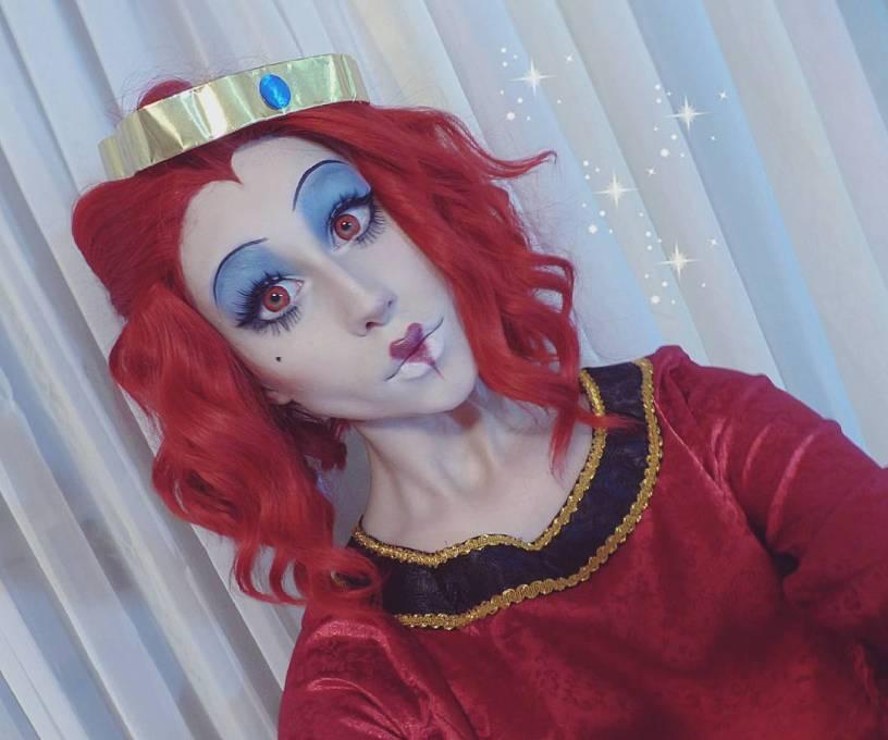 Queen of hearts crazy lenses