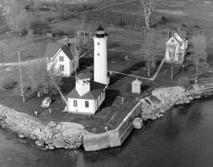 Tibbetts Point Lighthouse. Photo from www.uscg.mil/History/weblighthouses/LHNY.asp