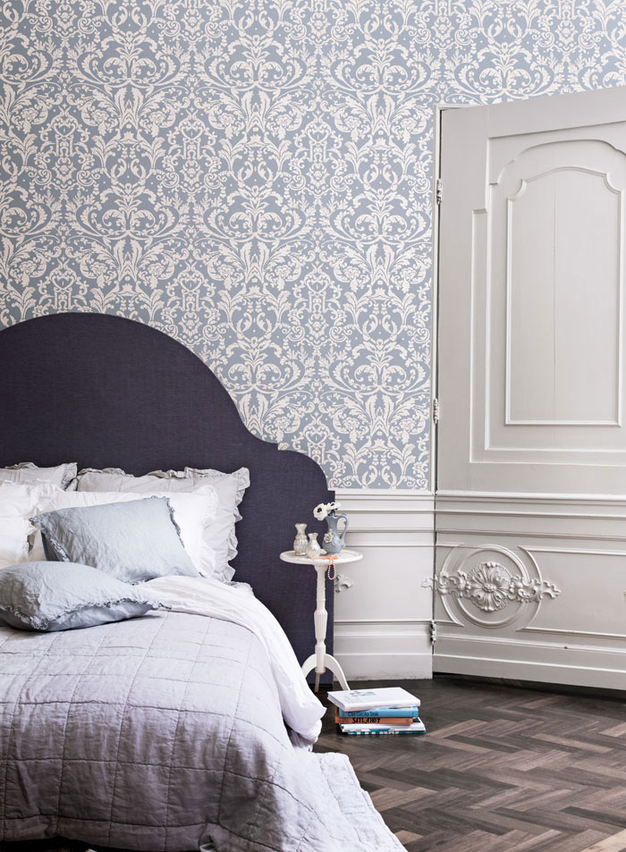 Powder Blue Ornamental R2057