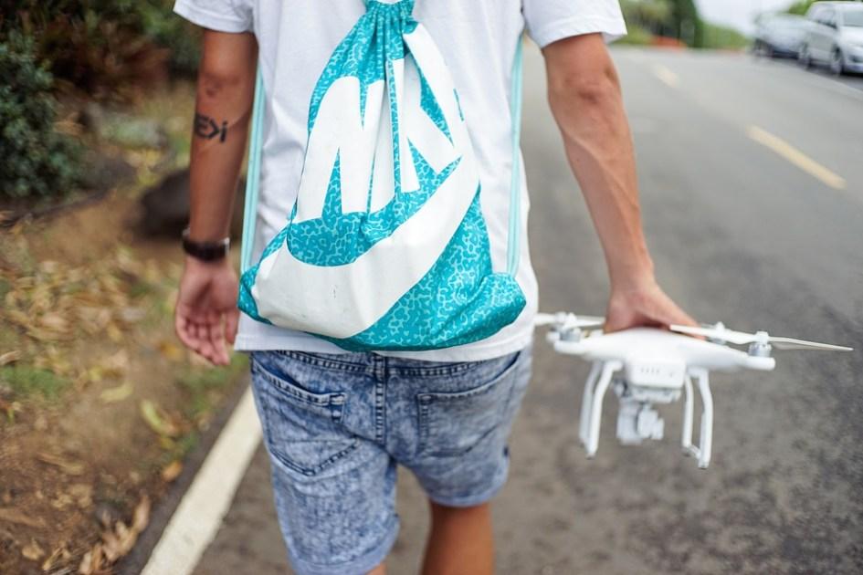 drone-926392_960_720