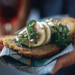 Fig, Gorgonzola and Arugula Crostini