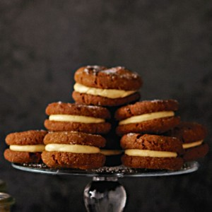 Pumpkin Cream Cookie Sandwiches