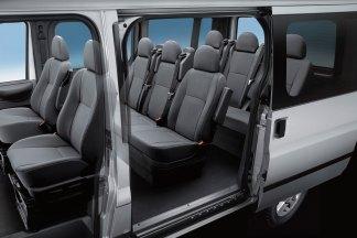 0766933-Ford-Transit-Kombi-300M-FWD-2.2-TDCi-140-bhp-Ambiente-2012